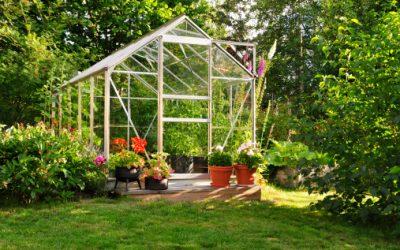 Un petit tutoriel pour installer une serre dans le jardin